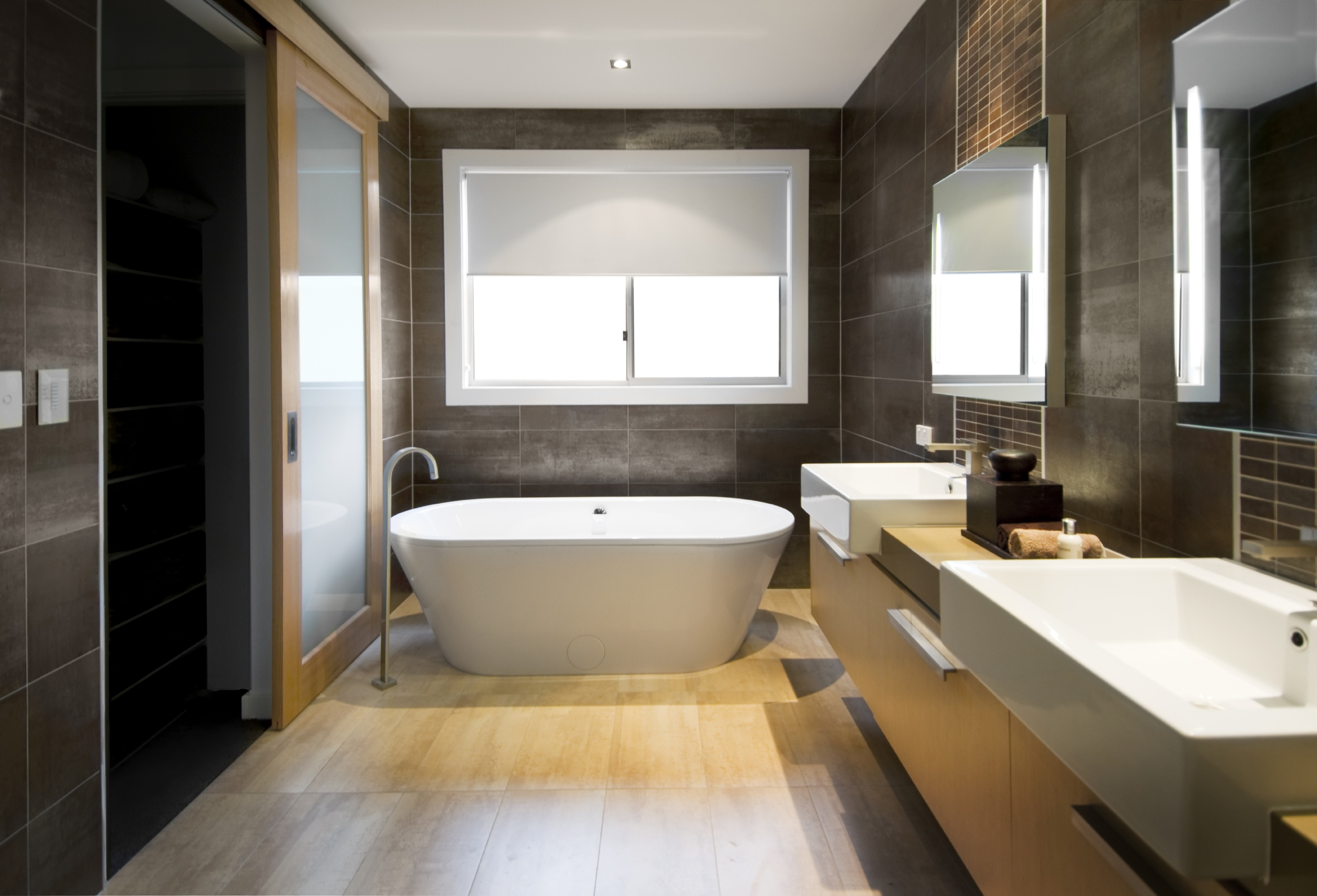 Luxury Tubs for your Master Bathroom - City Renovations